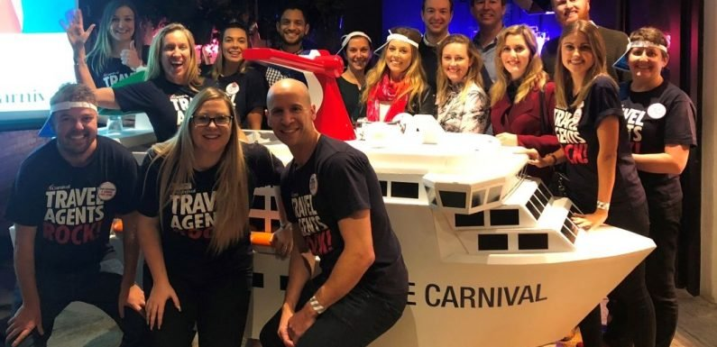 Travel agents celebrate Carnival Cruise Line's biggest program ·