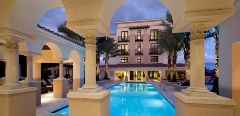 "Florida: ""Summer Splash"" at The Alfond Inn at Rollins ·"
