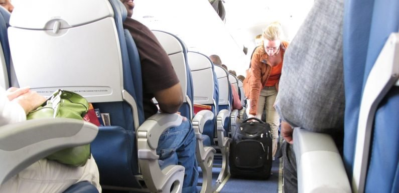 Airline seat size: Will FAA bring relief to squeezed flyers?