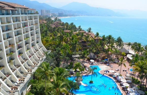 La Coleccion Resorts Go On Sale for Thanksgiving, Black Friday
