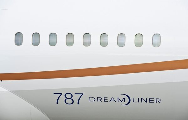 United Adding Boeing Dreamliner Planes to Six Trans-Atlantic Routes