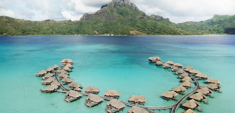 Why Everyone Is Suddenly Traveling to Tahiti