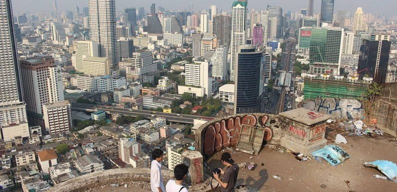 Bangkok 'Ghost Tower' at the centre of strange tourism obsession