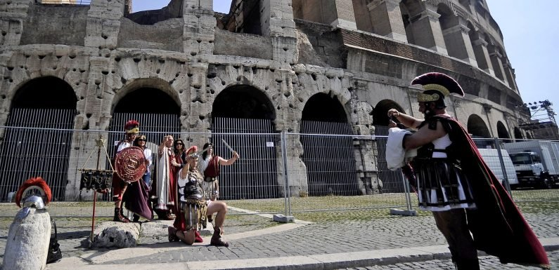 Rome bans centurions, pub crawls and drinking after 2am