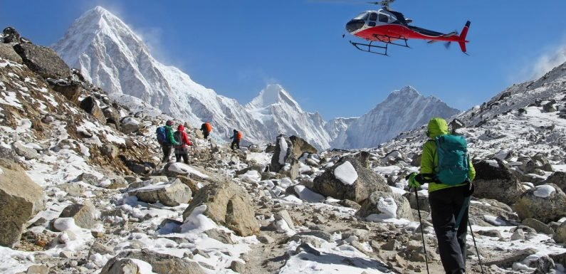 Helicopter rescue 'scams' around Mount Everest are costing lives, claim experts