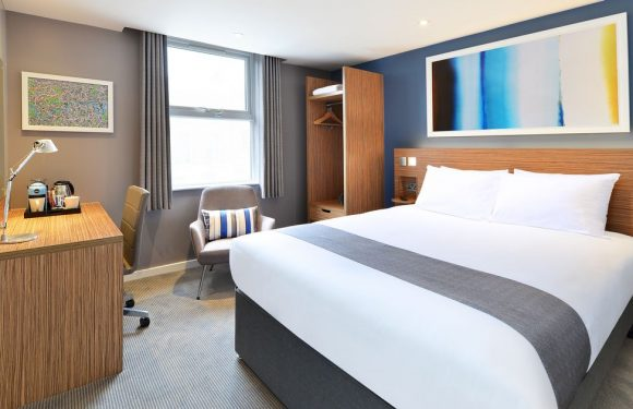 Travelodge opens Cheshire flagship with £29 rooms and Cheshire Oaks discounts