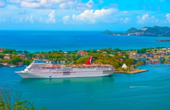 2,000 Couples Renew Vows on Carnival Cruises