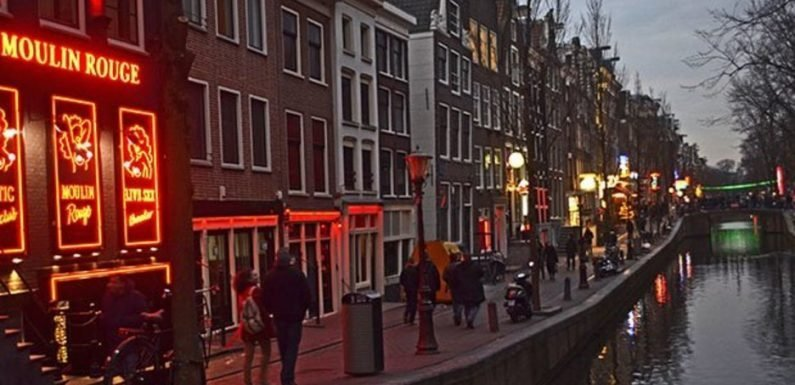 Amsterdam clamps down on tours of its red light district