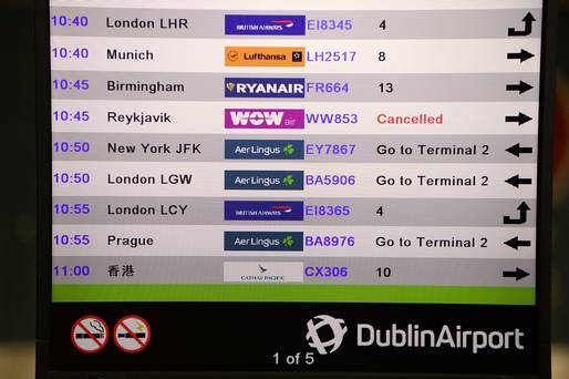 Rivals offer 'rescue fares' as the collapse of budget airline Wow leaves thousands stranded