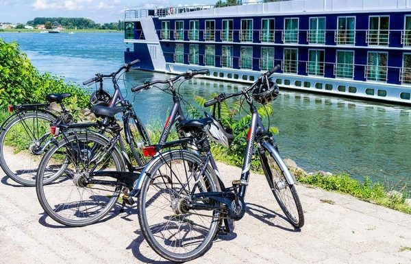 AmaWaterways Partners With AAA to Gift Students a Free Cruise