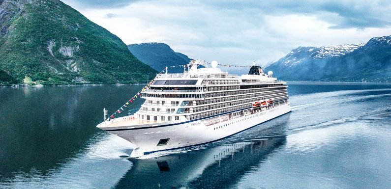 Viking Sky passengers helicoptered off ship amid storm