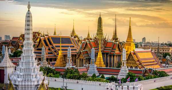 Singapore Airlines has a huge sale on flights to Thailand and Bali but be quick