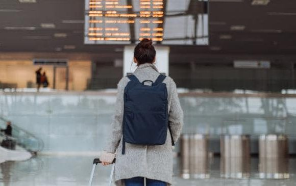 How to make $900 when your flight is delayed