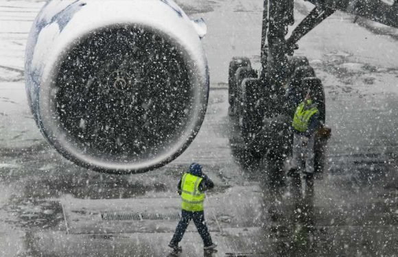 Airlines blame weather for steep drop in February on time performance
