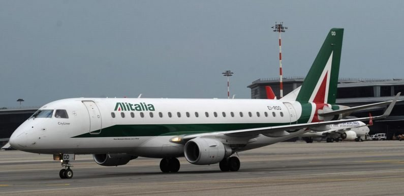 Advice for Alitalia passengers as airline cancels hundreds of flights