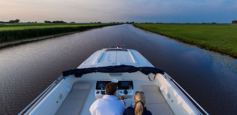 Explore Holland a different way with Le Boat ·