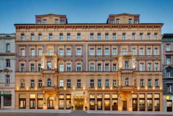 Radisson Blu Hotel, Prague, opens doors to first guests