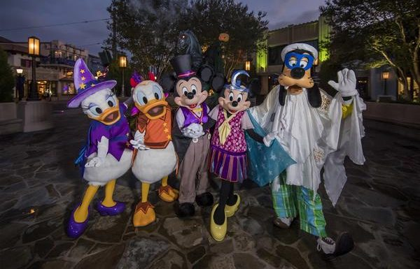 Celebrate Halloween With Happy Hauntings at Disneyland and California Adventure