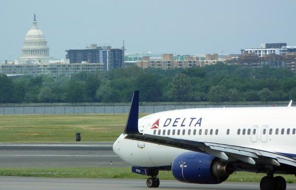 System Outage Disrupts Delta Passengers at Reagan National Airport