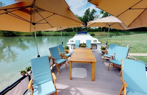Say 'Cheese' to European Waterways' 'Gastronomic Gascony' Cruises onboard Rosa ·