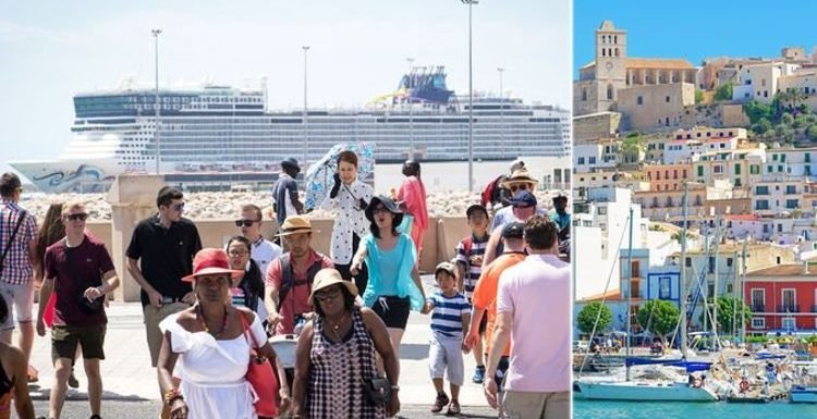 Cruise: Ibiza and Majorca to limit cruise ships to reduce huge numbers of tourists