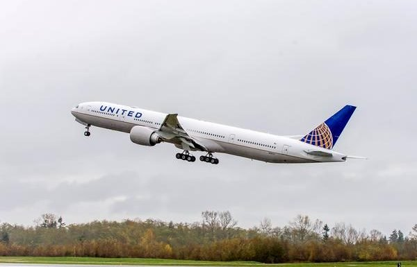 United Airlines Offers 10% Discount for Young Adults
