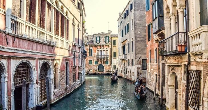 Two tourists fined for skinny dipping in Venice canal