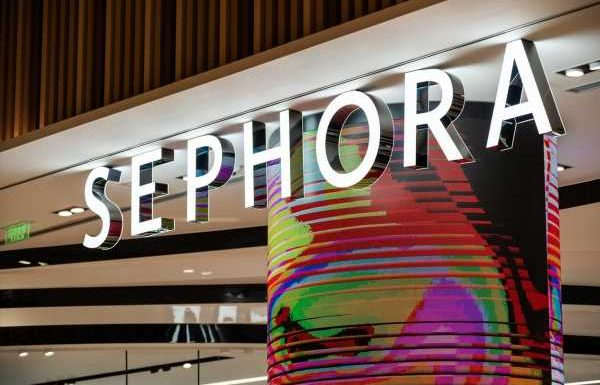 What Time Does Sephora Open On Black Friday? You Won't Wanna Miss These Deals