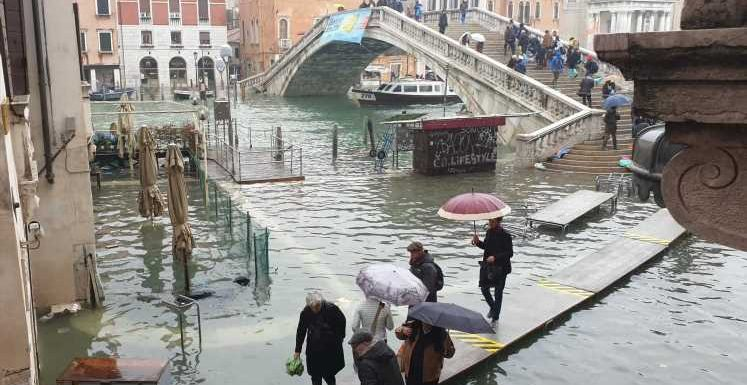 'We were amazed': Venice tourist recounts flooding inside hotel, resilience of the city
