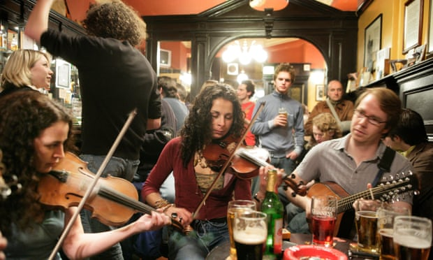 Share a tip on a UK pub for great live music for a chance to win a £200 hotel voucher