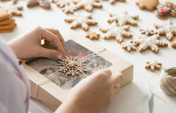 Five eco-friendly Christmas craft activities to try around the UK