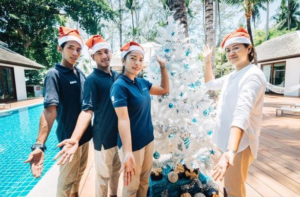 Experience Christmas joys in the tropics ·