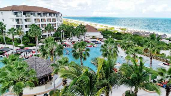 Apple Leisure Group slows Mexico hotel investment