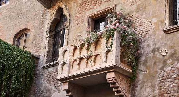 Couples can now stay in Juliet's House in Verona and it's ridiculously romantic