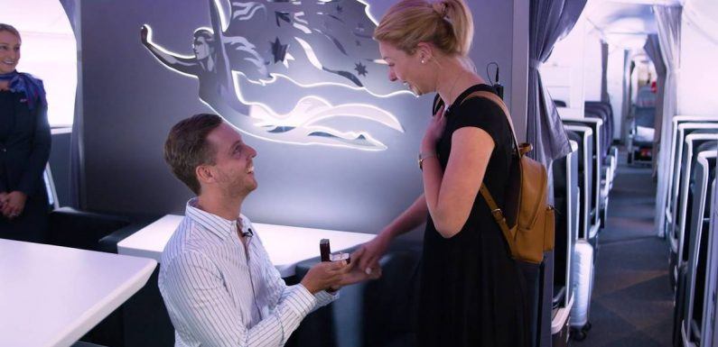 Virgin Australia helped this man propose to his girlfriend