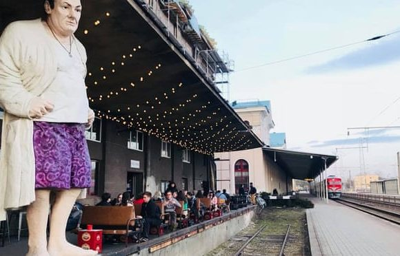 10 great bars and cafes near railway stations in Europe: readers' travel tips