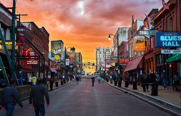 USA holidays: Elvis Presley sightseeing in Memphis, Tennessee