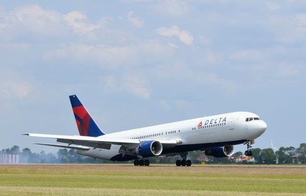 Delta Reducing Passengers, Blocking Middle Seats to Combat COVID-19
