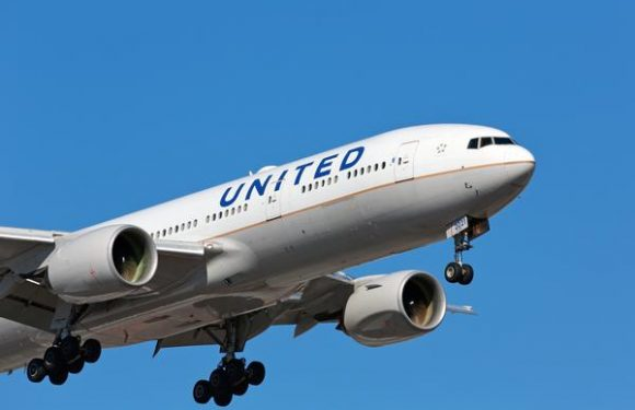 United Cuts Flights to NYC Area Airports