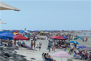 Travelers Appear to Enjoy Memorial Day Weekend as Places Reopen
