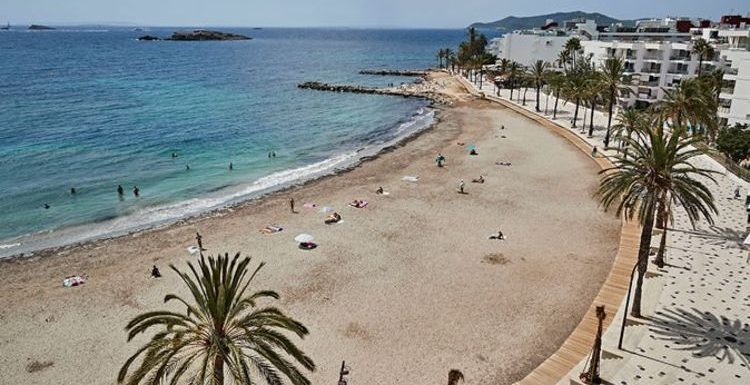 Spain: Photos show beaches standing empty as Britons ditch holidays for UK staycations