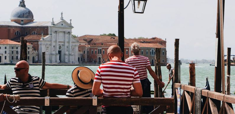 Venice blames 'fat tourists' for increased gondola fares and lower capacity