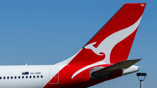 Qantas launches Sydney to Byron Bay route, first flights to Orange