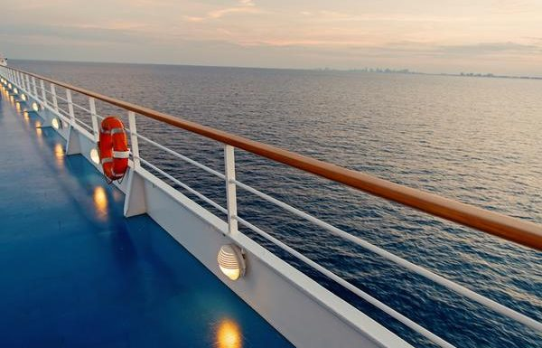 CDC Once Again Extends No Sail Order for Cruise Ships