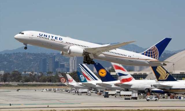 United Airlines will return Boeing 787s to LAX even as it plans for a skeletal autumn schedule