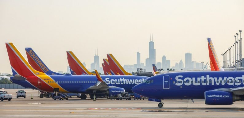 Southwest Airlines backtracks on a full schedule by year-end as recovery stalls