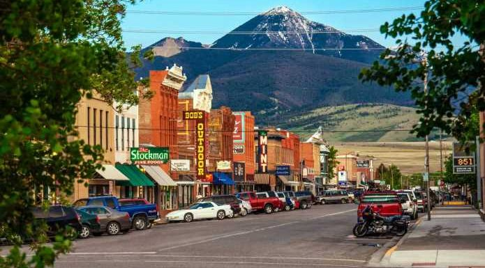 The Sweetest Small Towns in the U.S. to Visit in Summer