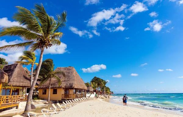 Playa del Carmen Temporarily Reopening Beaches, Cancun's Remain Closed to Public