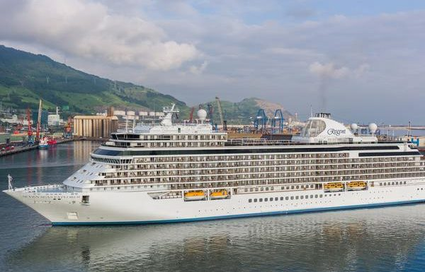 Regent Seven Seas Offers First-Class Air, Suite Upgrades