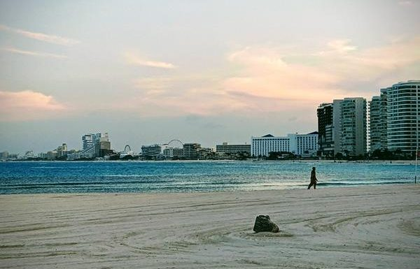 Cancun Reopens All Beaches After Coronavirus-Related Closures